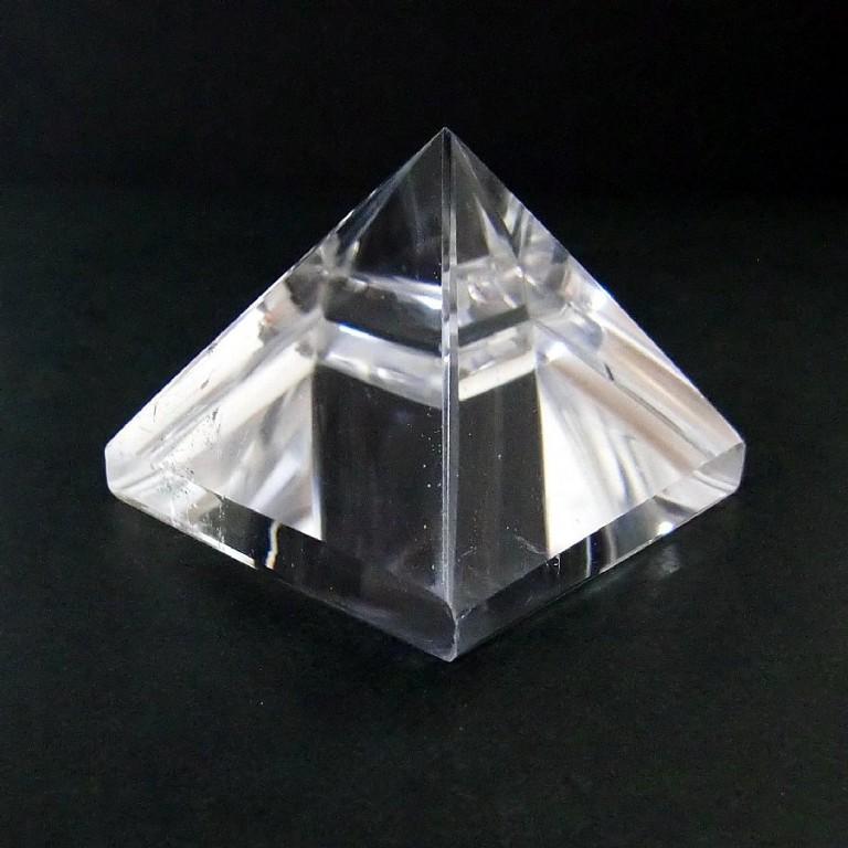 水晶ピラミッド(80g) 一点物