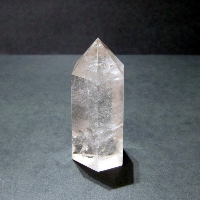 水晶ポイント 六角柱 クリスタル ポイント125g_