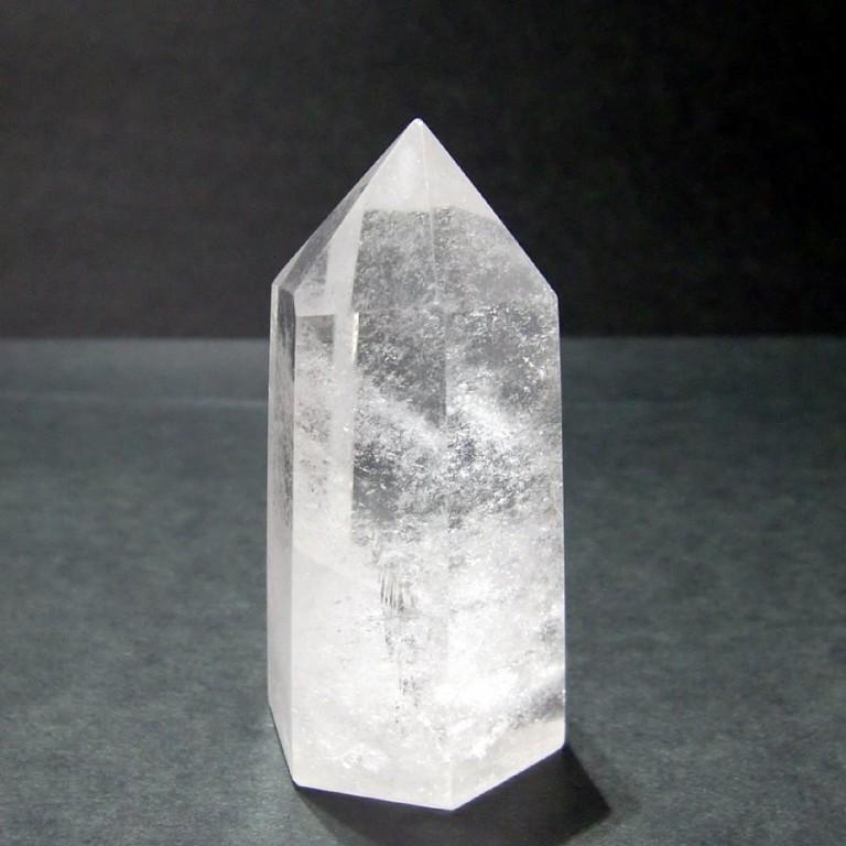 水晶ポイント 六角柱 クリスタル ポイント 111g